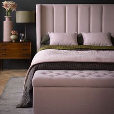 5 Ideas To Decorate Awkward & Empty Bedroom Corner Bedroom Design If you are planning to buy a bed in the corner, then you must have come across many ads about it. Some of them claim that they can help you find your . Bedroom Vintage, Modern Bedroom, Bedroom Romantic, Bedroom Classic, Bedroom Simple, Contemporary Bedroom, Master Bedrooms, Bed Without Footboard, Bedroom Furniture