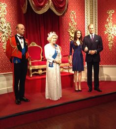 Here´s the royal family at Madame Tussaud´s.