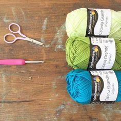 Häkelanleitung für ein Einkaufsnetz – Knitting Patterns For Kids Poncho Knitting Patterns, Free Knitting, Baby Knitting, Crochet Patterns, Crochet Gratis, Crochet Yarn, Tutorial Amigurumi, Seed Shop, Knitted Teddy Bear