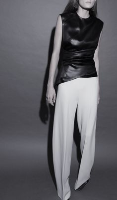 Visibly Interesting: Narciso Rodriguez | Spring 2016.....simple and interesting. Not to forget sexy!