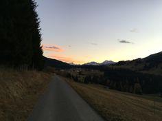 Running in #graubuenden is a pleasure. #autumn #mountains #Parpan #grischashot…