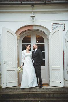 Winter Wedding #romantic #rustic #minimal #wedding #whitewedding