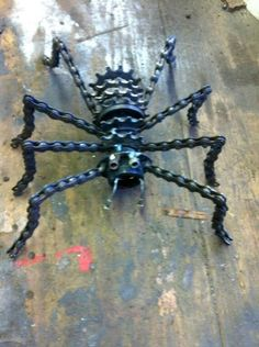 Spider - bike chain and gears Welding Crafts, Welding Art, Metal Yard Art, Scrap Metal Art, Metal Art Projects, Metal Crafts, Sculpture Metal, Steel Art, Horseshoe Art