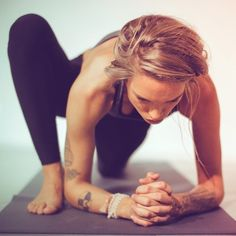 lizard lunge #yoga- one of my favorites!