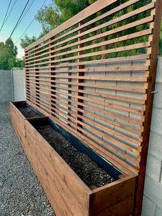 Backyard Patio Designs, Backyard Landscaping, Patio Ideas, Diy Patio, Fenced In Backyard Ideas, Backyard Planters, Privacy Planter, Privacy Trellis, Outdoor Privacy