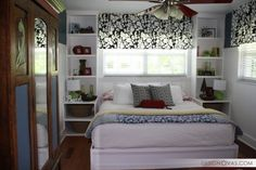 There are plenty of good things about having a small bedroom. Small bedrooms are cozy and they can be easier to keep warm or cool. Checkout 25 cool bed ideas for small rooms. (Cool Beds For Small Rooms) Small Bedroom Storage, Small Bedroom Furniture, Small Master Bedroom, Small Bedroom Designs, Master Bedroom Design, Bedroom Decor, Bedroom Ideas, Bed Ideas, Bed Storage