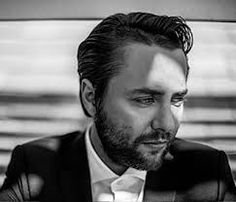 Vincent Paul Kartheiser (5 May 1979) - American actor