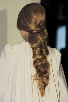 View all the photos of the beauty & make-up at the Stephane Rolland haute couture spring 2016 showing at Paris fashion week. Messy Hairstyles, Pretty Hairstyles, Blonde Hairstyles, Summer Hairstyles, Hair Inspo, Hair Inspiration, Corte Y Color, Hair Day, Hair Looks