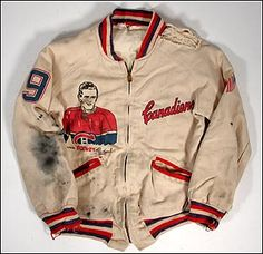 Vintage Rocket Richard Jacket | Photo by Stéphane Juteau Montreal Canadiens, Hockey Highlights, Penguins Players, Vintage Clothing, Vintage Outfits, I Am Canadian, Hockey Games, Vintage Vibes, Nhl