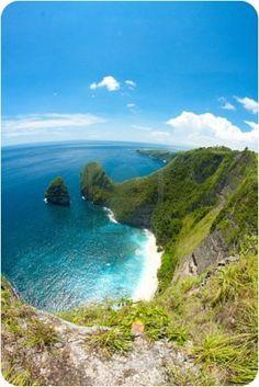 High cliffs with beach view in Nusa penida Bali Stock Photo