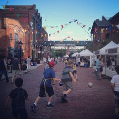' Great way to end the day - Future tastes of Toronto ' #luminato #roadsoccer at the Distillery District Toronto #luminato by jeunology via instagram
