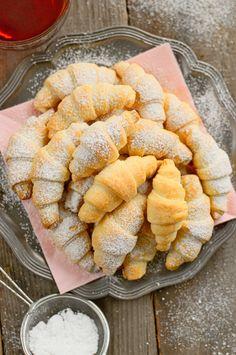 Rogaliki trzyskładnikowe Cake Recipes, Snack Recipes, Cooking Recipes, Snacks, Sweet Buns, Sweet Little Things, Mary Berry, Polish Recipes, Food Menu