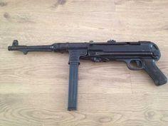 German submachine gun - Mp 40 Maschinenpistole