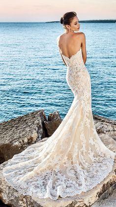 Brautkleid Meerjungfrau aus Spitze, tiefer Rückenausschnitt, trägerlos, lange Schleppe