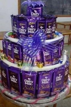 Ideas Dairy Milk Quotes For 2019 Dairy Milk Chocolate, Cadbury Dairy Milk, Cadbury Chocolate, Chocolate Sweets, Chocolate Gifts, Chocolate Lovers, Happy Chocolate Day, Chocolate Delight, I Love Chocolate