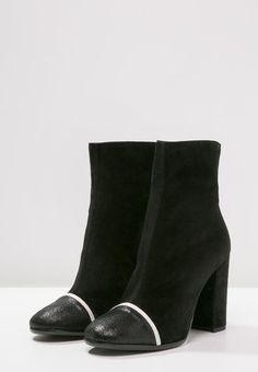 Just Cavalli High Heel Stiefelette black | Stylaholic