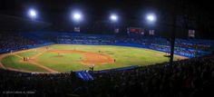 Vista panorámica del Estadio Latinoamericano anoche durante el duelo Matanzas vs Industriales. FOTO de Calixto N. Llanes #Cuba #baseball #sport