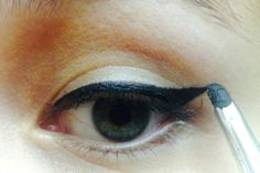 Tutorial: Cómo lograr un perfecto Cat Eye - Belleza.tips Good Things, Beauty Tutorials, Maquiagem