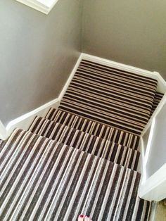 Stripe landing and stair carpet Home Decor Inspiration, Stairs Landing Carpet, Interior, Types Of Carpet, House Interior, Carpet Stairs, Best Carpet, Stairs Design, Stairs