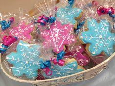 Disney Frozen snowflake cookies!