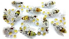BROSZKI - SILVER AMBER                                             #jewelery #jewellerydesign #bizuteria #bee #gdańsk #amber