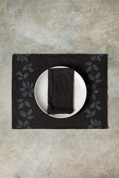 Alabama Chanin - DIY Clematis Placemats