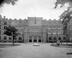 1915 - The Old Victoria Museum ... as it was known then .... Ottawa, Ontario, Canada