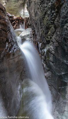Wasserfall in der Vorderkaserklamm Waterfall, Nature, Travel, Outdoor, Beautiful, Dinners, Natural Wonders, Alps, Hiking