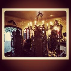 Kat Von D forreal lives in my dream home and has my dream life!