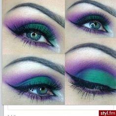 Peacock inspired look eye look. Stunning colors!