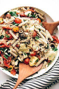 easy vegan Italian pasta salad | This simple gluten-free pasta salad is packed with crisp + tangy veggies, zesty herbs + spices, and salty vegan parmesan.