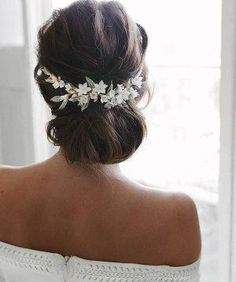 elegant bridal updo hairstyle inspiration,wedding hairstyle inspiration,Messy Wedding Hair Updos For A Gorgeous Rustic Country Wedding,messy updo hairstyles,bridal hairstyle ideas,wedding hairstyle ideas,wedding hairstyles,bridal updo #weddinghairstyles