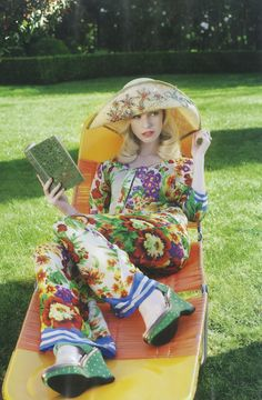 Fashion Quarterly magazine, Trelise Cooper 'Pocket Posey' jacket and 'Garden Party' pant Woman Reading, Outdoor Parties, Beautiful Gorgeous, What I Wore, Wearable Art, Retro Fashion, Glamour, Photoshoot, Style Inspiration