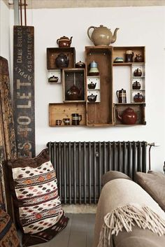 drawer shelves - i like the idea of hanging drawers/crates on the walls for shelving Interior Flat, Hanging Drawers, Drawer Shelves, Box Shelves, Wall Shelves, Display Shelves, Tea Display, Rustic Shelves, Cubbies