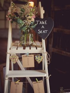 Wedding Online - Moodboards - 11 creative ways to use step-ladders at your wedding reception