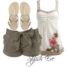 Stylish Eve Outfits 2013: Beach Wear with Shorts, Perfect Out of Water Style