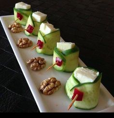 According to research, an average of of children do not have breakfast … - Food and Drink Finger Food Appetizers, Appetizer Recipes, Snack Recipes, Cooking Recipes, Good Food, Yummy Food, Food Garnishes, Food Platters, Food Decoration