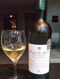 Chenin Blanc, Wine Drinks, Alcoholic Drinks, Cocktails, Sauvignon Blanc, Wine Tasting, Wine Recipes, White Wine, Drinking