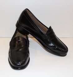 4317bff621e Womens Leather Loafers (Black). Size 6. Great