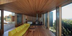 Fairhaven Beach House designed by John Wardle Architects. Photography by Peter & Jennifer Hyatt.