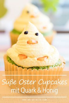 Easter cupcakes: sweet sugar-free chicks with honey - Ostern Oster Cupcakes, Desserts Ostern, Spring Recipes, Sugar Free, Pineapple, Honey, Sweets, Fruit, Food