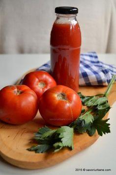 Suc de rosii pentru iarna - fara conservanti | Savori Urbane Canning Pickles, Pasta, Pastry Cake, Canning Recipes, Ketchup, Barbecue, Hamburger, Smoothie, Good Food