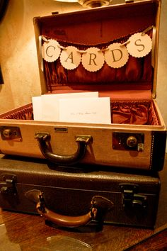 Old suitcase used to hold wedding cards. Perfect for a vintage or travel themed wedding.