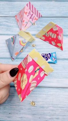 Paper Folding Crafts, Tissue Paper Crafts, Paper Mache Crafts, Toilet Paper Roll Crafts, Easy Paper Crafts, Paper Plate Crafts, Easy Crafts For Kids, Craft Activities For Kids, Resin Crafts