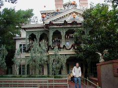 "Disney's ""Haunted Mansion Holiday"" Disneyland Park, Anaheim, California (10/31/01)"