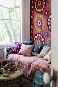 A Gallery of Bohemian Living Rooms #boho #interior http://oohm.com.au/