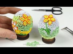Quilling sprigs of leaves with hair brush Neli Quilling, Quilling Videos, Origami And Quilling, Quilling Craft, Quilling Flowers, Quilling Techniques, Paper Quilling Tutorial, Paper Quilling Designs, Quilling Patterns