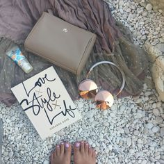 The ultimate beach companion is our #Taylor #rosegold #FRENDSmakelifeBeautiful #beautifulSound : @aljabitenc