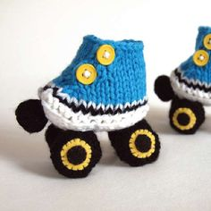 Knit up these cute skates (that are baby booties) with this free knitting pattern.