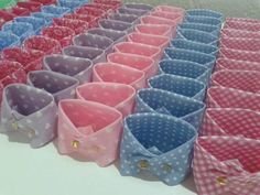 How to fold napkins in a cup homemade baby ideas Baby Shower Souvenirs, Baby Shower Party Favors, Baby Shower Parties, Baby Boy Shower, Baby Shower Gifts, Baby Gifts, Gender Reveal Decorations, Baby Shower Decorations, Moldes Para Baby Shower